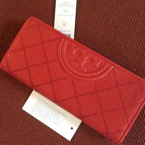 NWT TORY BURCH Distressed Leather Fleming Wallet